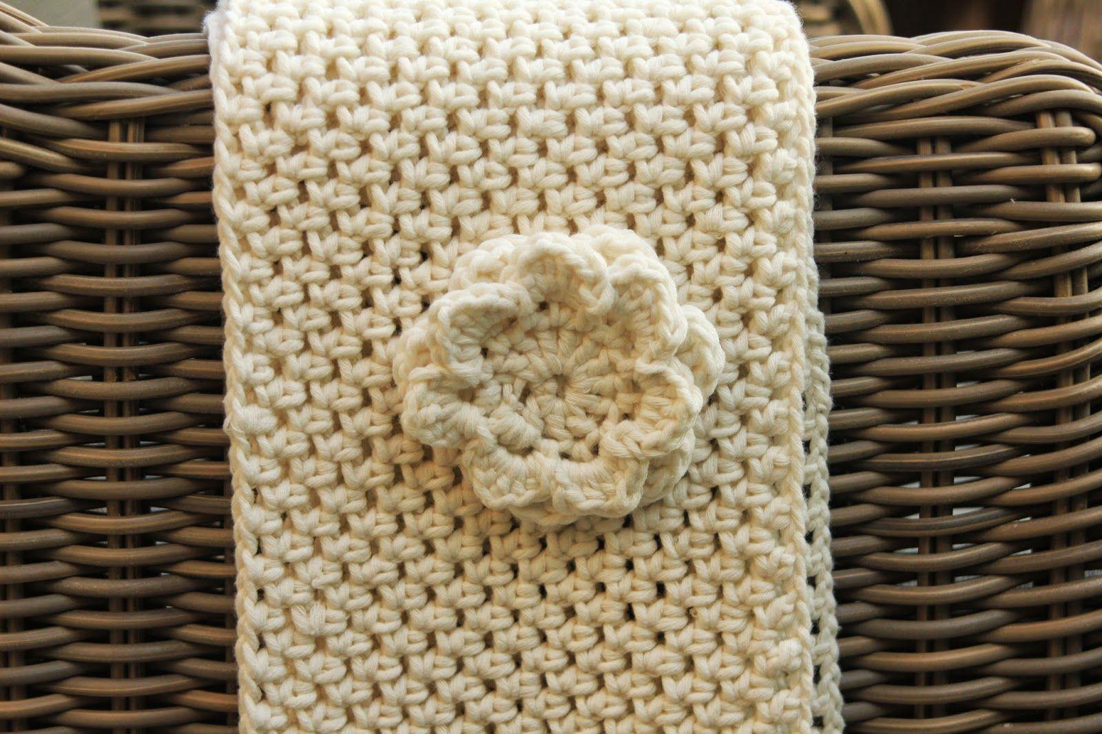 Made by Annemiek: Gehaakte sjaal / Crochet Cowl Scarf