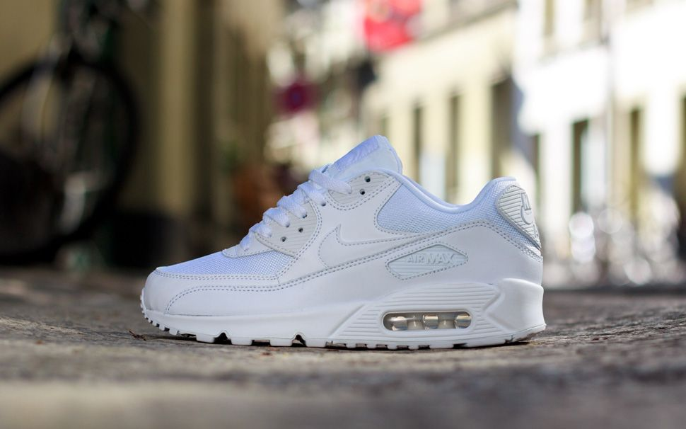 nike air max 90 essential all white