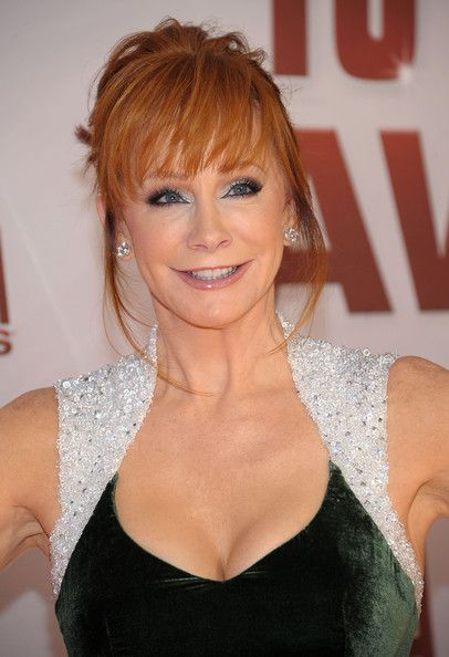 reba mcentire height weight