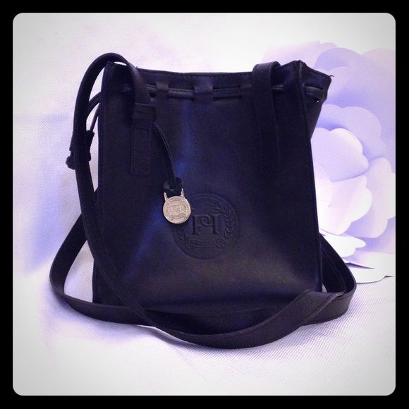 """Portfolio Black Shoulder Bag Great condition, double strap that can be worn Crossbody, but it's tight. Snap closure and one inside zipper pocket. Measures 9"""" x 8"""" x 3.5"""".♥️♥️♥️ Portfolio Bags Shoulder Bags"""