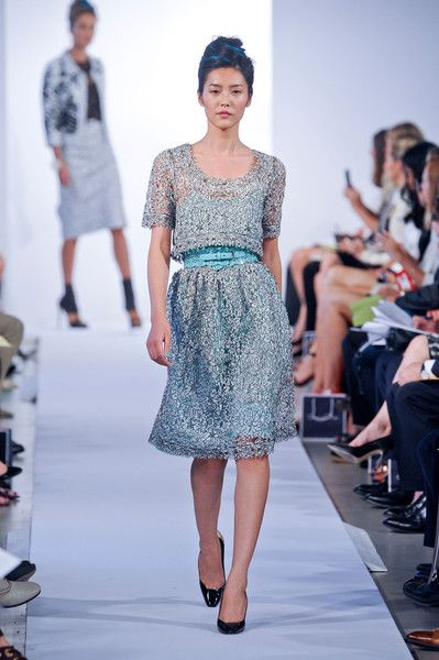 Office Chic With Oscar De La A