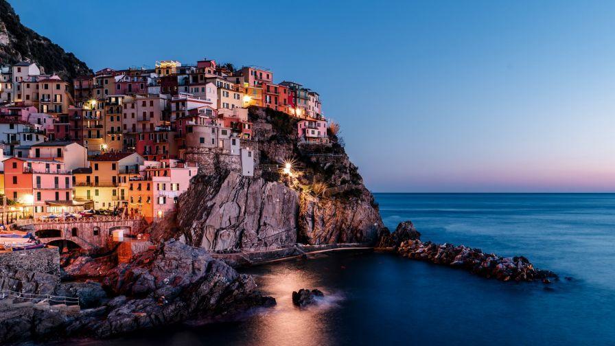 Italian City At The Sea Hd Wallpaper Wallpapers Net Cinque Terre Italy Cinque Terre Italy Tours