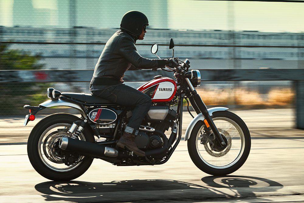 Yamaha SCR950 2017 MOTO 3