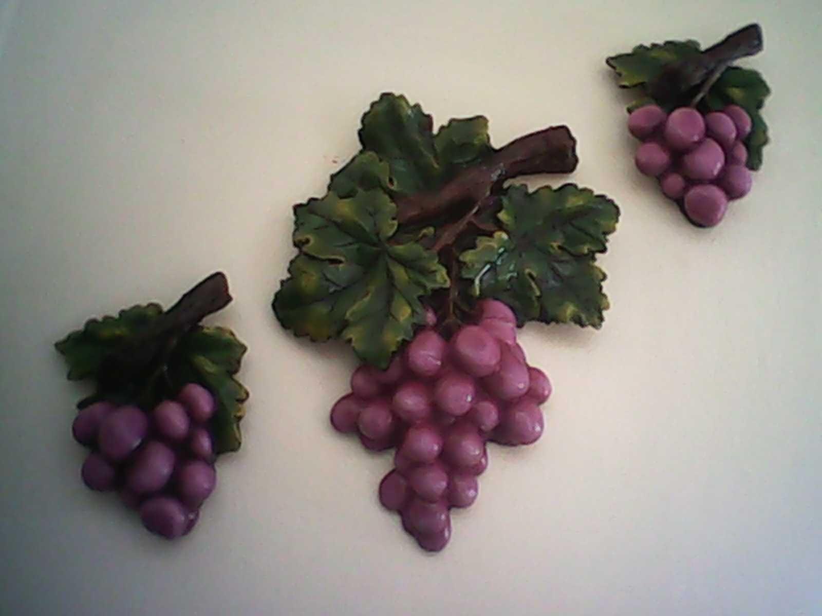 Juego de racimos de uvas hechas de resina. Ideal para cocina ...