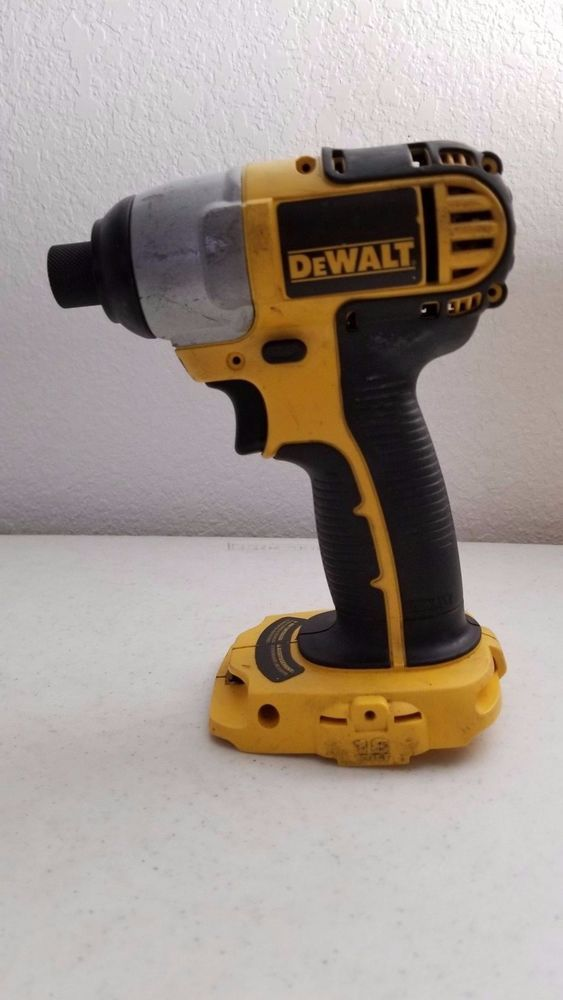 35 95 Used Dewalt Dcf826 1 4 Impact Driver 18v Bare Tool Dewalt Impact Driver Dewalt Cordless Drill Reviews