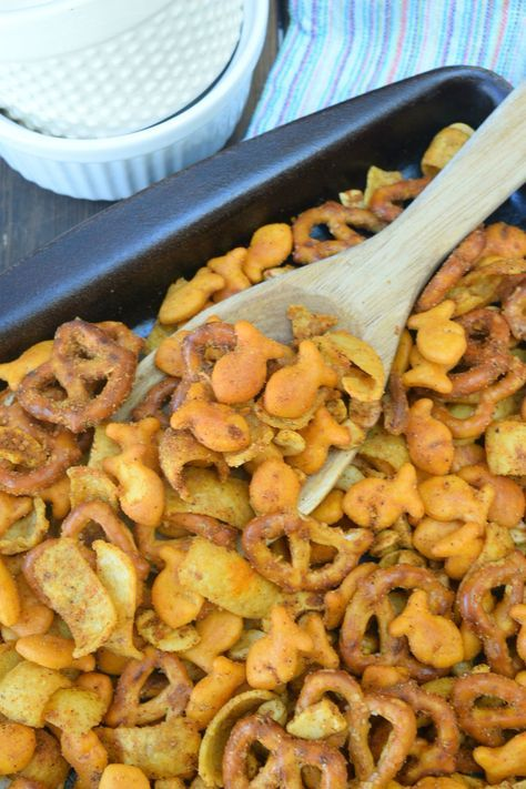 Party Goldfish® Snack Mix