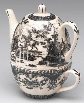 ✿ڿڰۣ(̆̃̃•Aussiegirl Black Toile Oval Tea for One