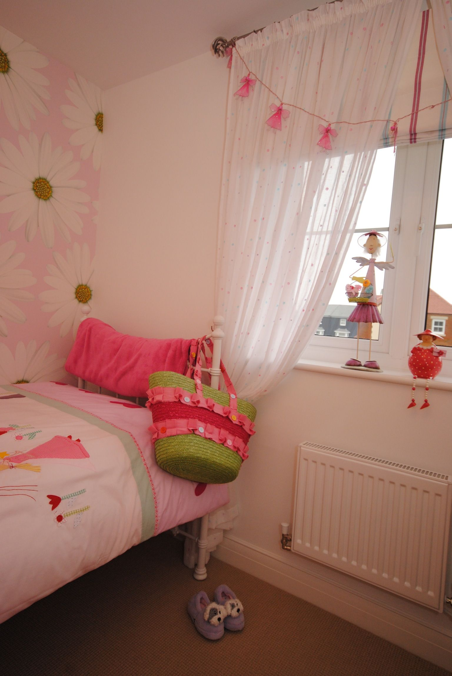 S Bedroom Design Wallpaper Bunting Voile Curtains Roman Blind Curtain Pole And Duvet Cover