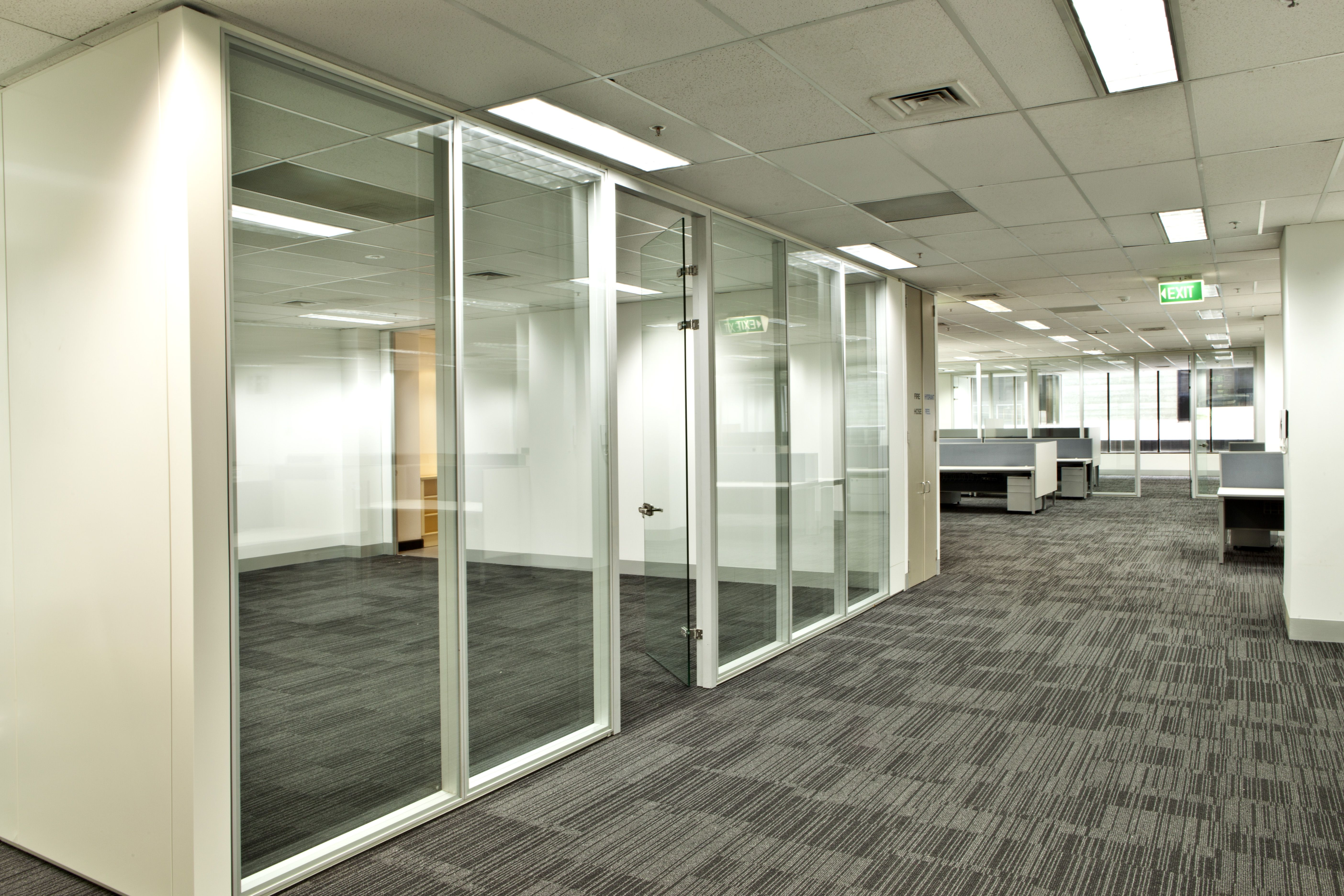Aluminum Frame Wall Single 12 Tempered Frameless Glass Partitions
