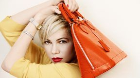 Michelle williams e l'iconica alma via Louis Vuitton