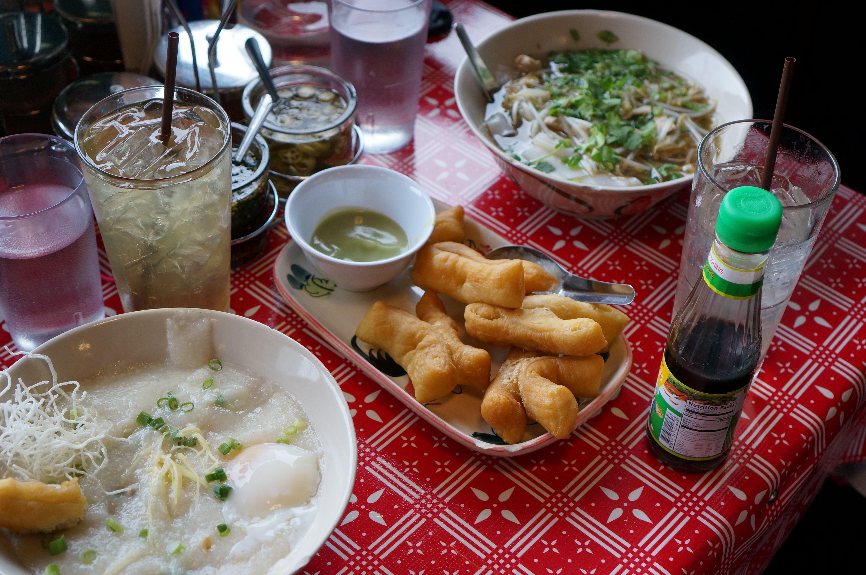 sen yai noodles, thai breakfast, portland