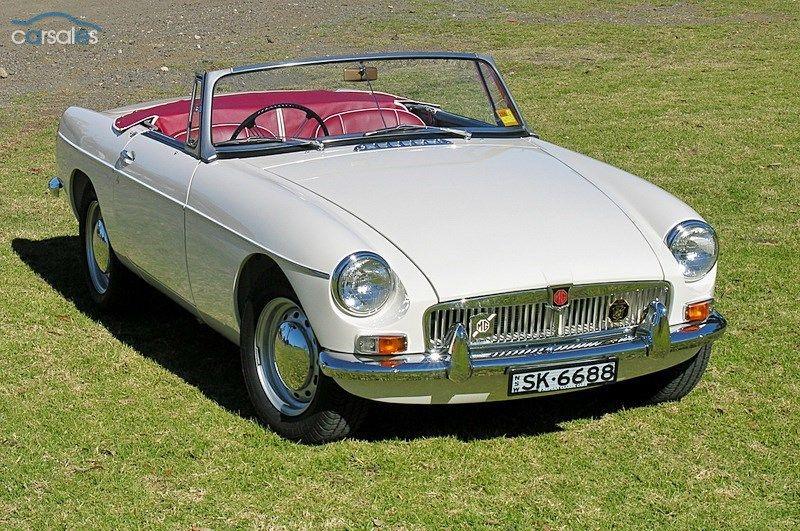 1963 MGB MKI door pull model from UK with steel wheels/hubcaps and piped trim & 1963 MGB MKI door pull model from UK with steel wheels/hubcaps and ...