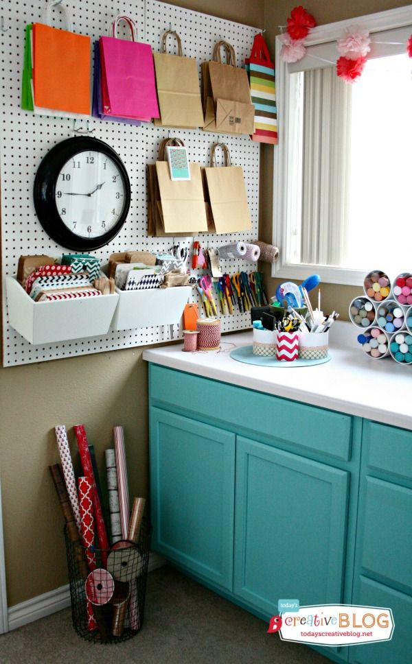 8 Great Ideas for Organizing Wrapping Paper | Wire basket, Corner ...