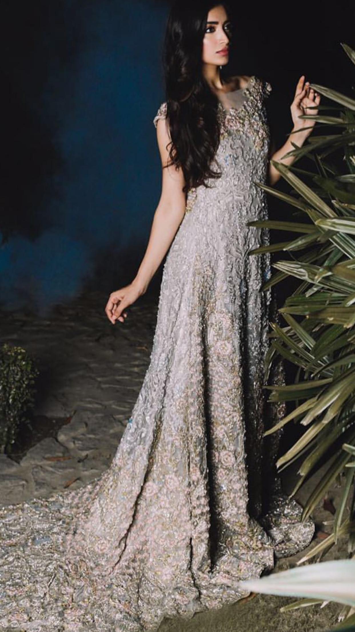 Pakistani couture | Pakistanische Kleider | Pinterest ...