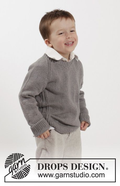 Knitted DROPS jumper with raglan and V-neck in Belle. Size 2-10 ...