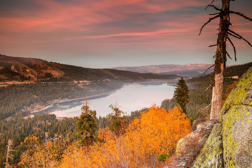 Donner Lake In Autumn 6 Sunset Photograph Of Yellow Fall Foliage And Boulders Above Donner Lake In Truckee California With Images Donner Lake Truckee Lake