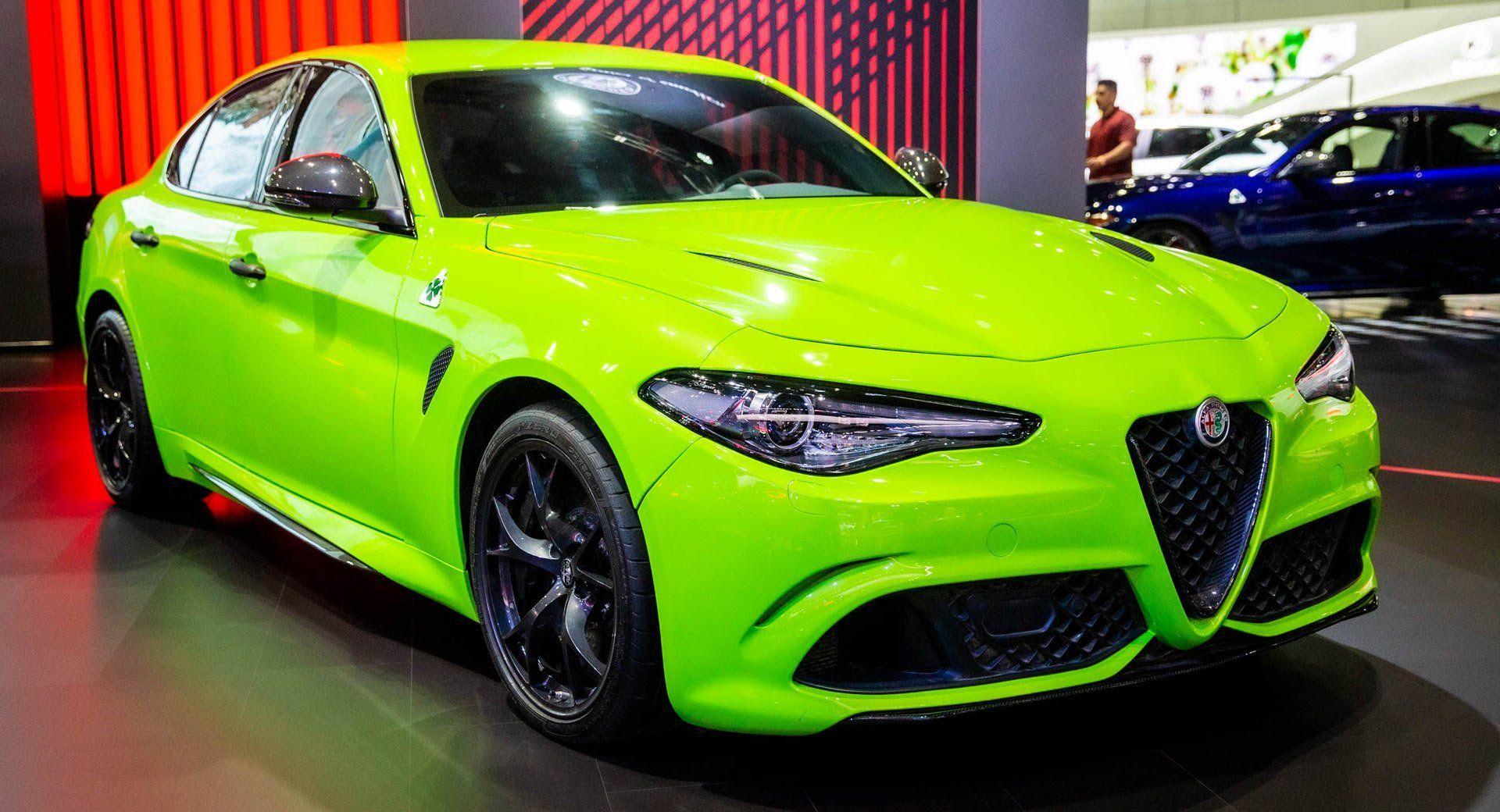 Neon Green Giulia Quadrifoglio Steals The Lime Light At Alfa S La Stand Carscoops Superauto Sportwagen Konzeptfahrzeuge