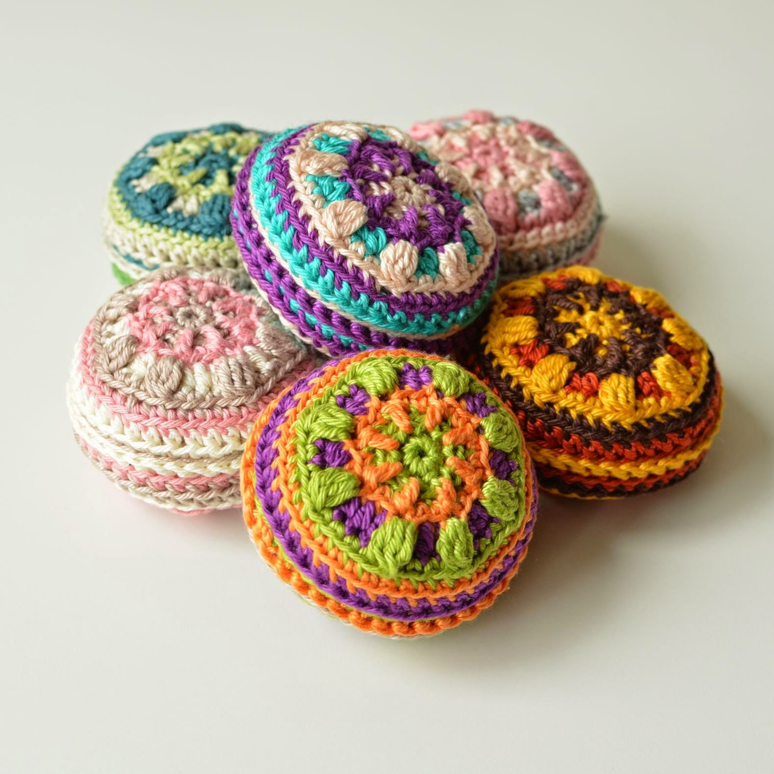 Macaron Pin Cushion – Free Pattern! | Hooky For the House ...
