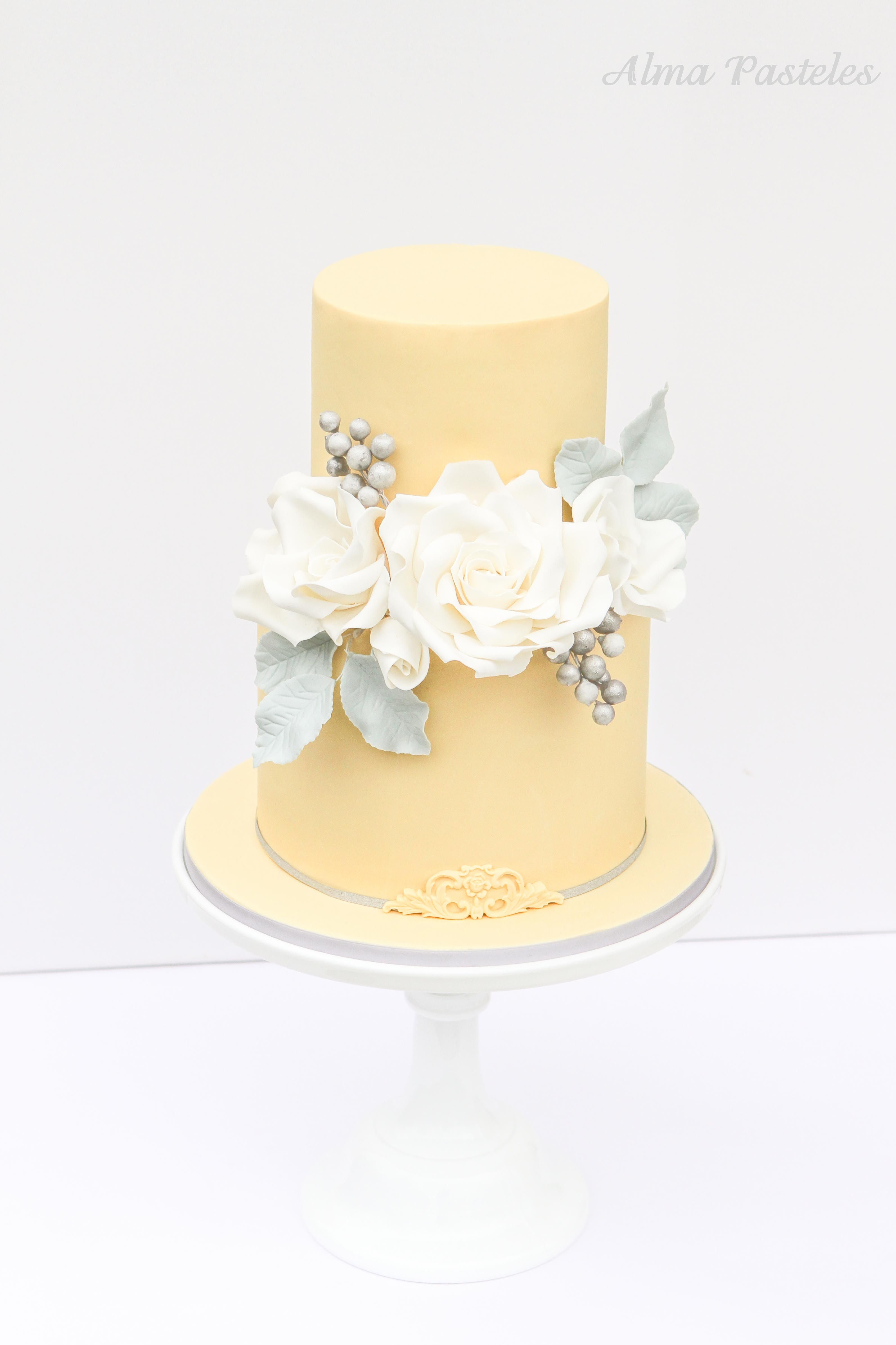 Round+Wedding+Cakes+-+Birthday+Cake+for+my+Dad\'s+80th+birthday ...