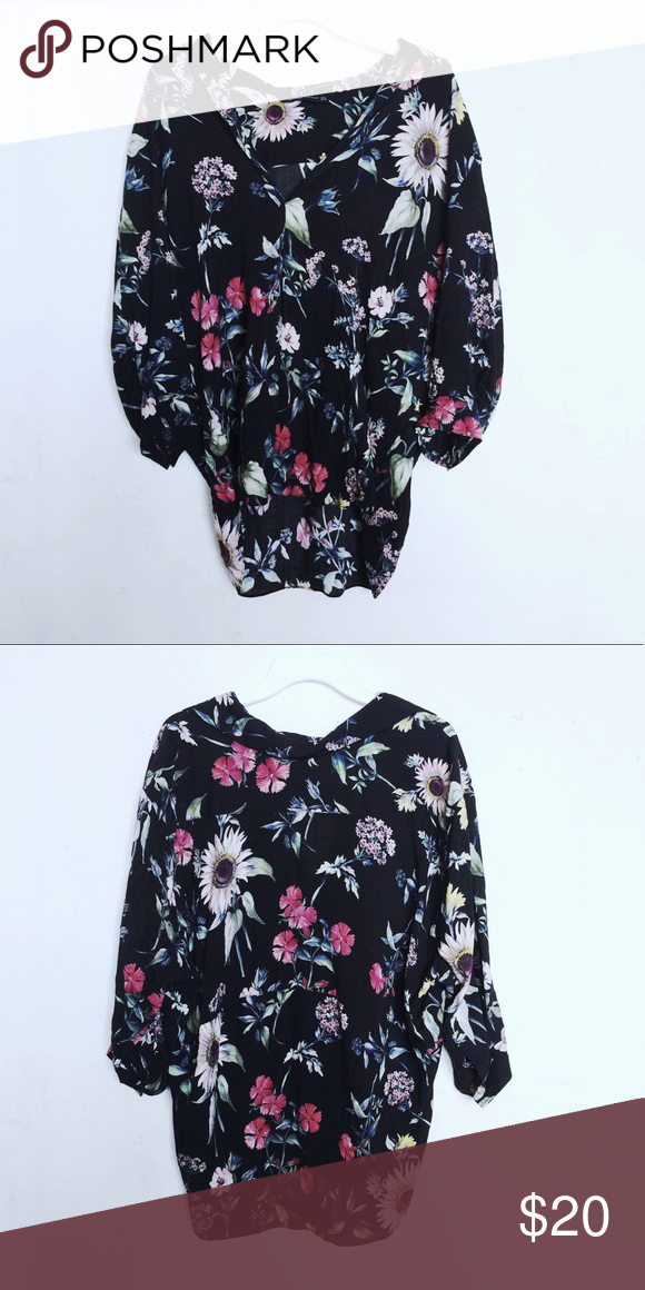 b09fdaf5148f5e Zara Floral Botanical Patterned Tunic Blouse Black floral patterned tunic  from the Zara Woman collection. Has some wrinkles but in overall good  condition.