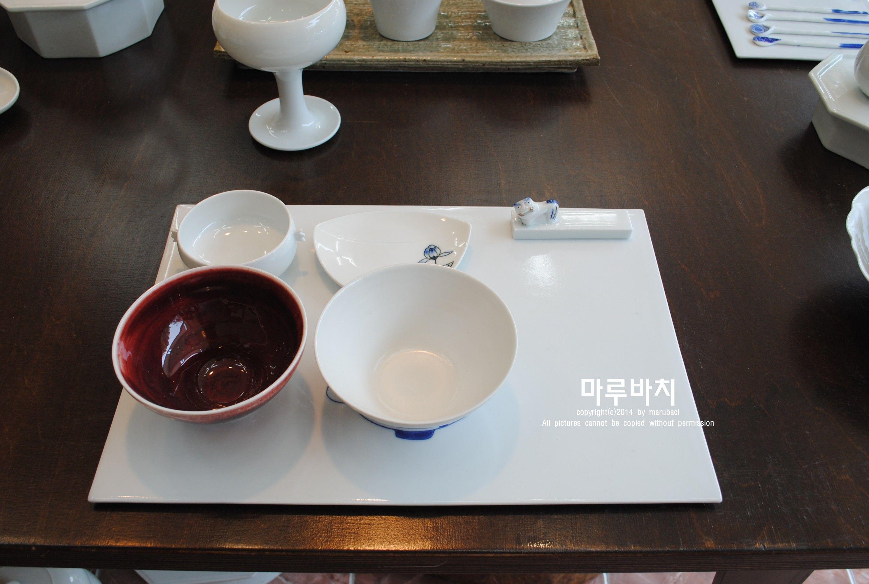 그릇  한국 공예품들만 전시하고 있습니다. www.marubaci.com