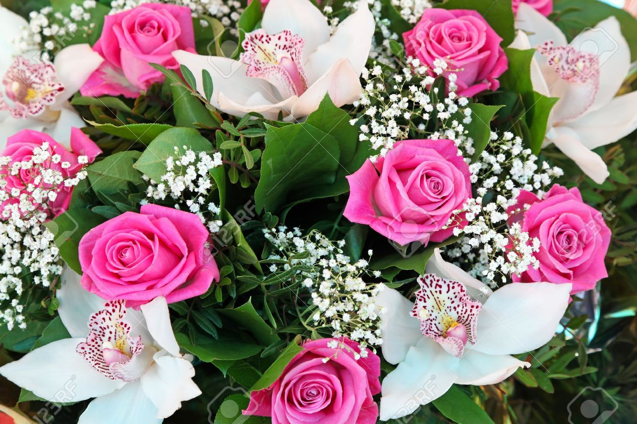 14351719 roses rose et fleurs blanches orchid es bouquet banque d 39 1300 866 roses
