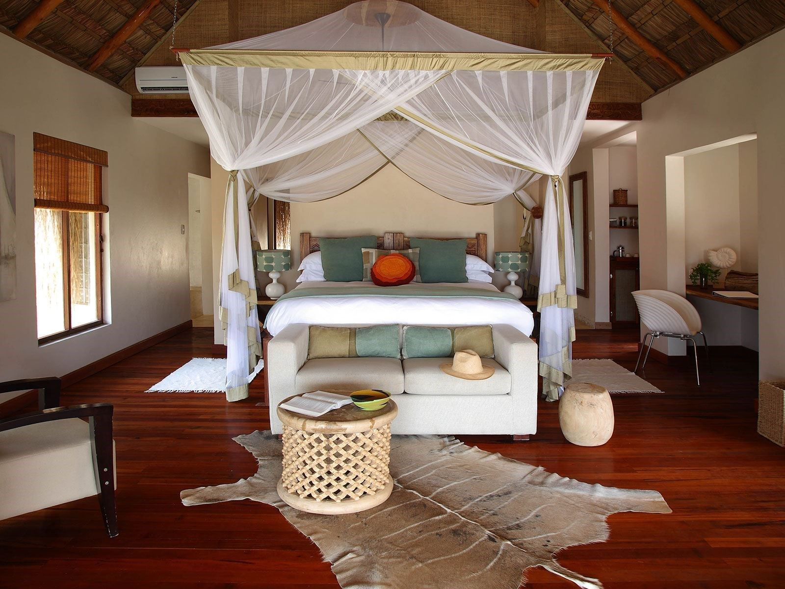 Premios Mr. & Mrs. Smith a los mejores hoteles Premio Eco: Azura, Mozambique Habitaciones dobles desde 1592 USD por noche con pensión completa y servicio de mayordomo.