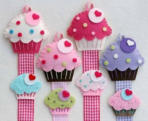 Felt Cupcake Hair Clip Holder Set Includes A With One Snap Stuffed Hand Sewn Details And 24 Grosgrain