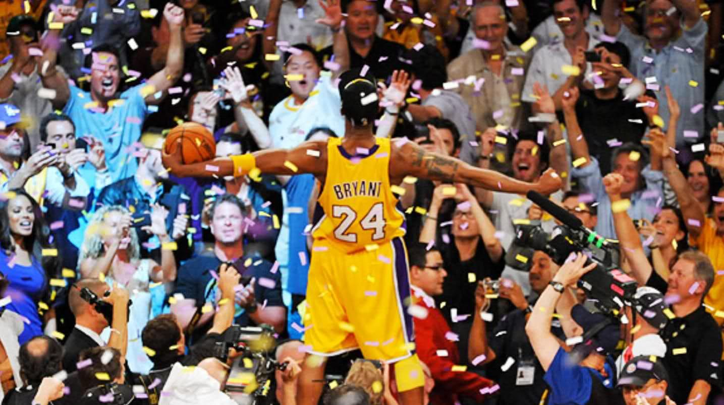 Bryant Embraces The Crowd After Winning The 2010 Nba Finals Kobe Bryant Nba Kobe Bryant Pictures Kobe Bryant