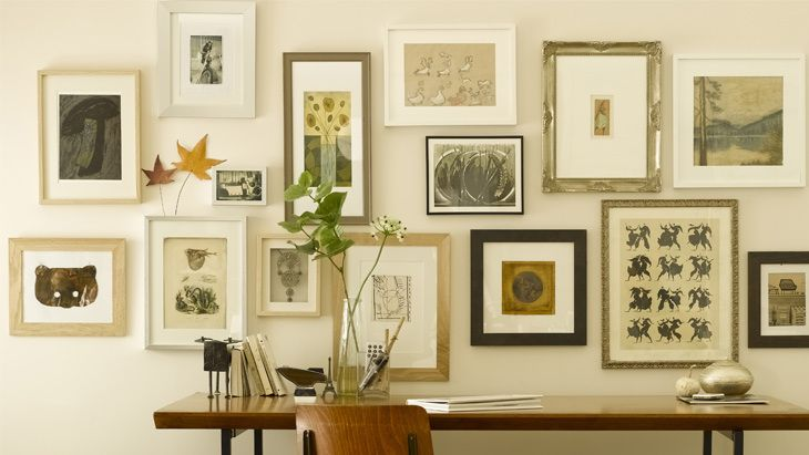 Les erreurs à éviter avec un mur de cadres Salons, Interiors and Room