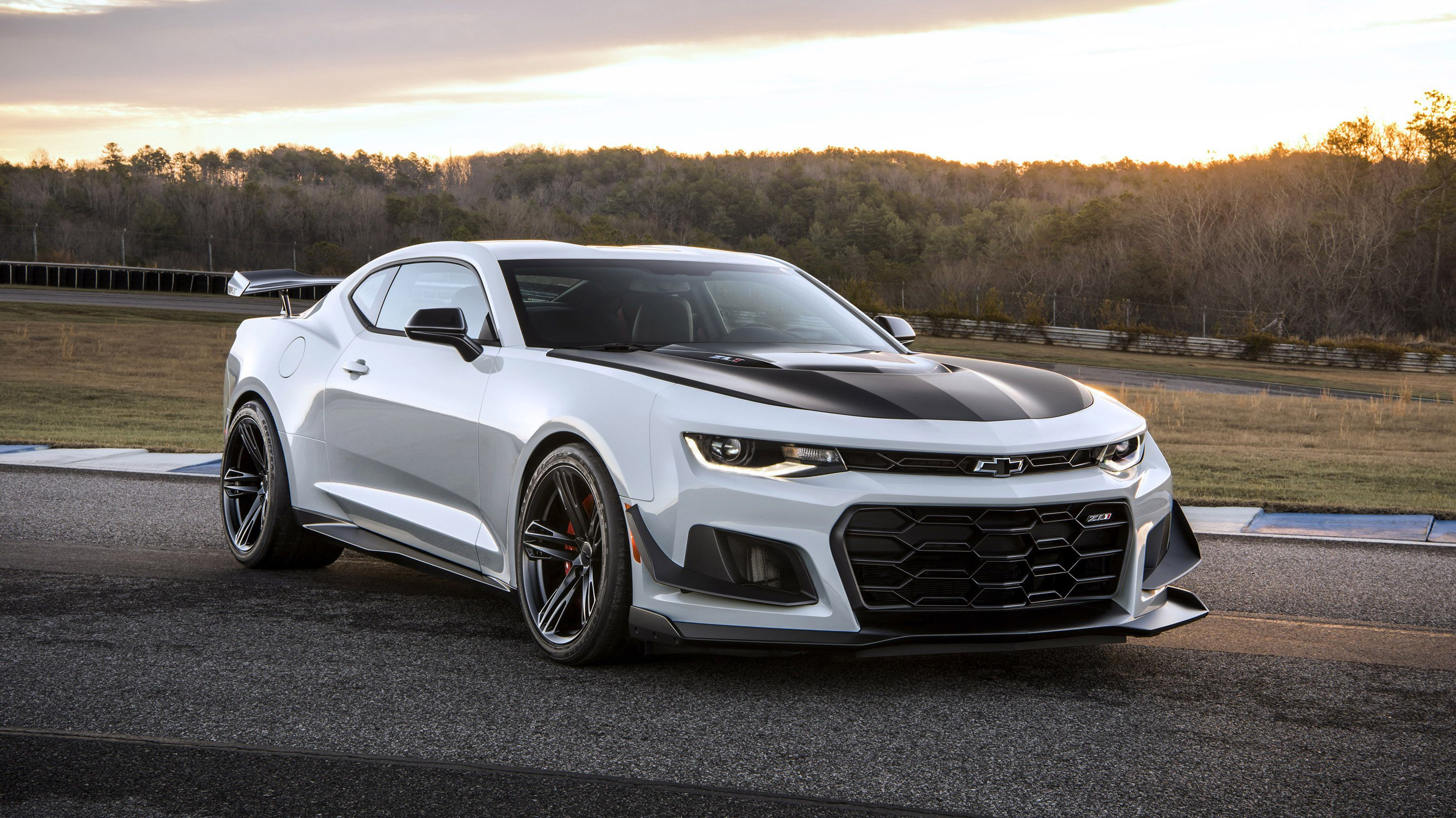 Wallpaper Of The Day 2019 Chevy Camaro Zl1 1le With Images