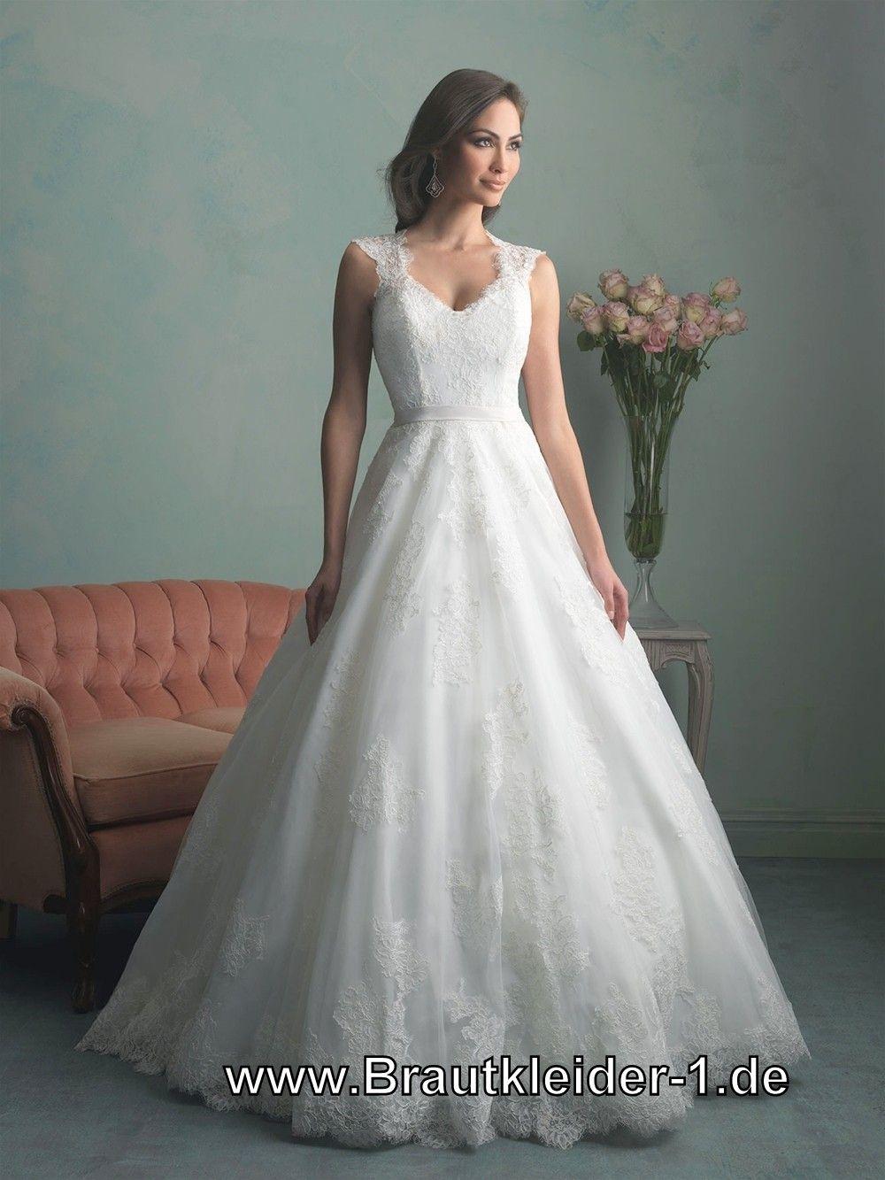 Spitzen Brautkleid mit Flügelärmel | Idéer til bryllup | Pinterest ...