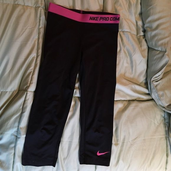 Nike Pro Combat Cropped Pink Black Leggings Great condition. Dri fit material. Nike Pants Leggings