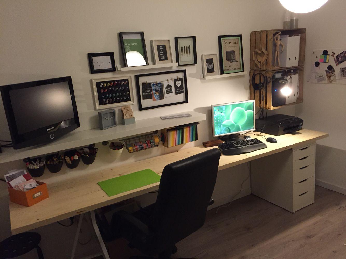 Gaming schreibtisch selber bauen  Neu gestaltetes Arbeits- und Kreativzimmer. Schreibtisch aus ...