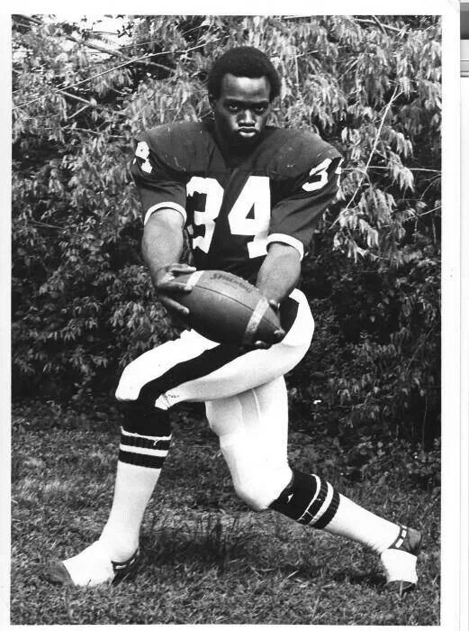 san francisco 857fe 18a30 Walter Payten as a young player at Jackson State University ...