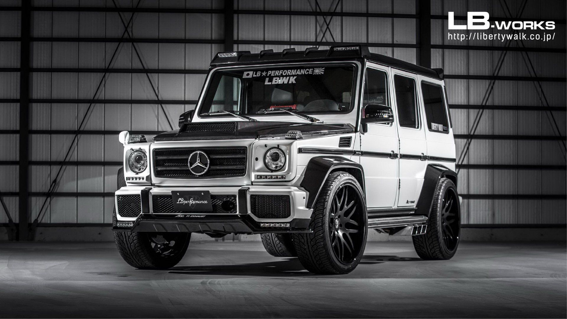 Older Mercedes Amg G63 Gets The Liberty Walk Touch Of Extravagance