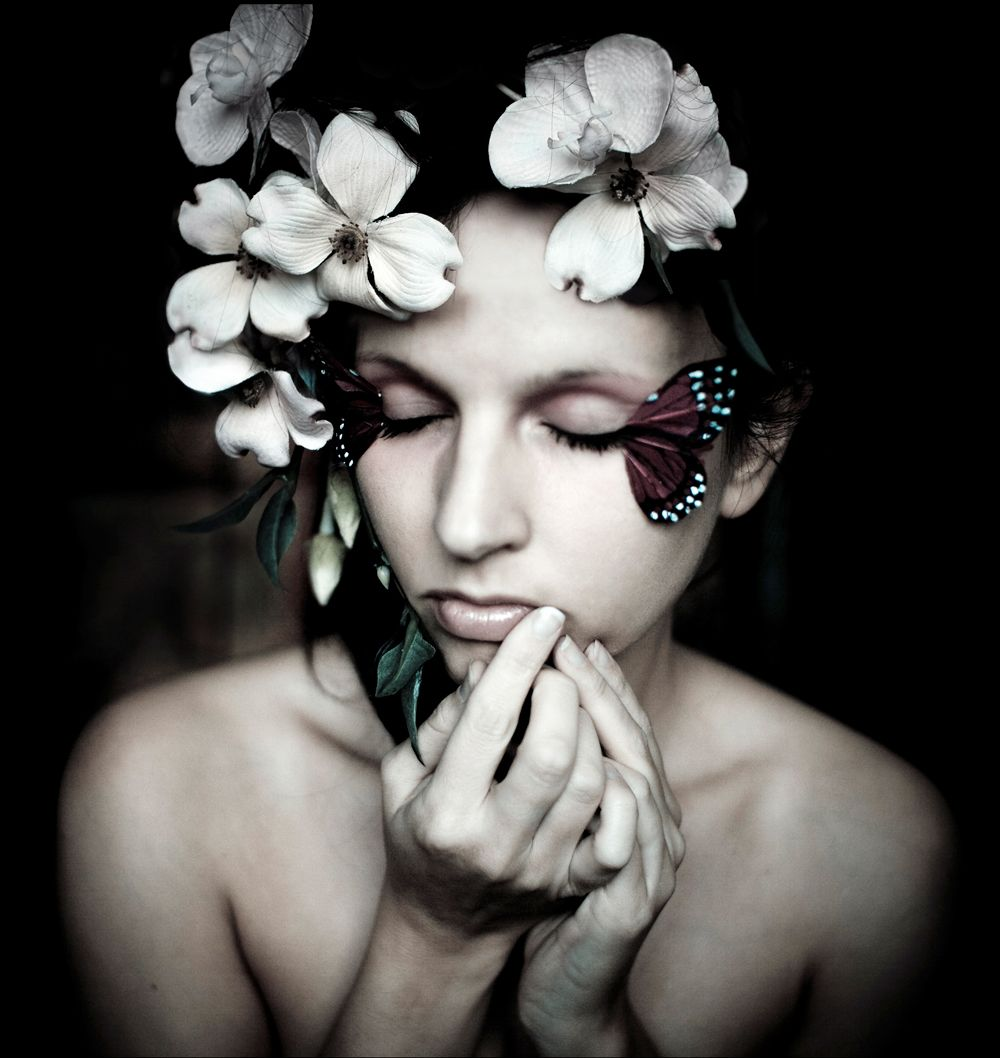 kirsty mitchell photography video