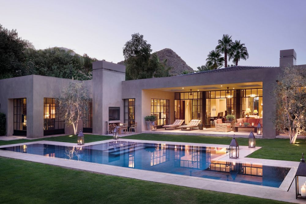 Contemporary Pool by Michael S. Smith Inc. and Marmol Radziner in ...