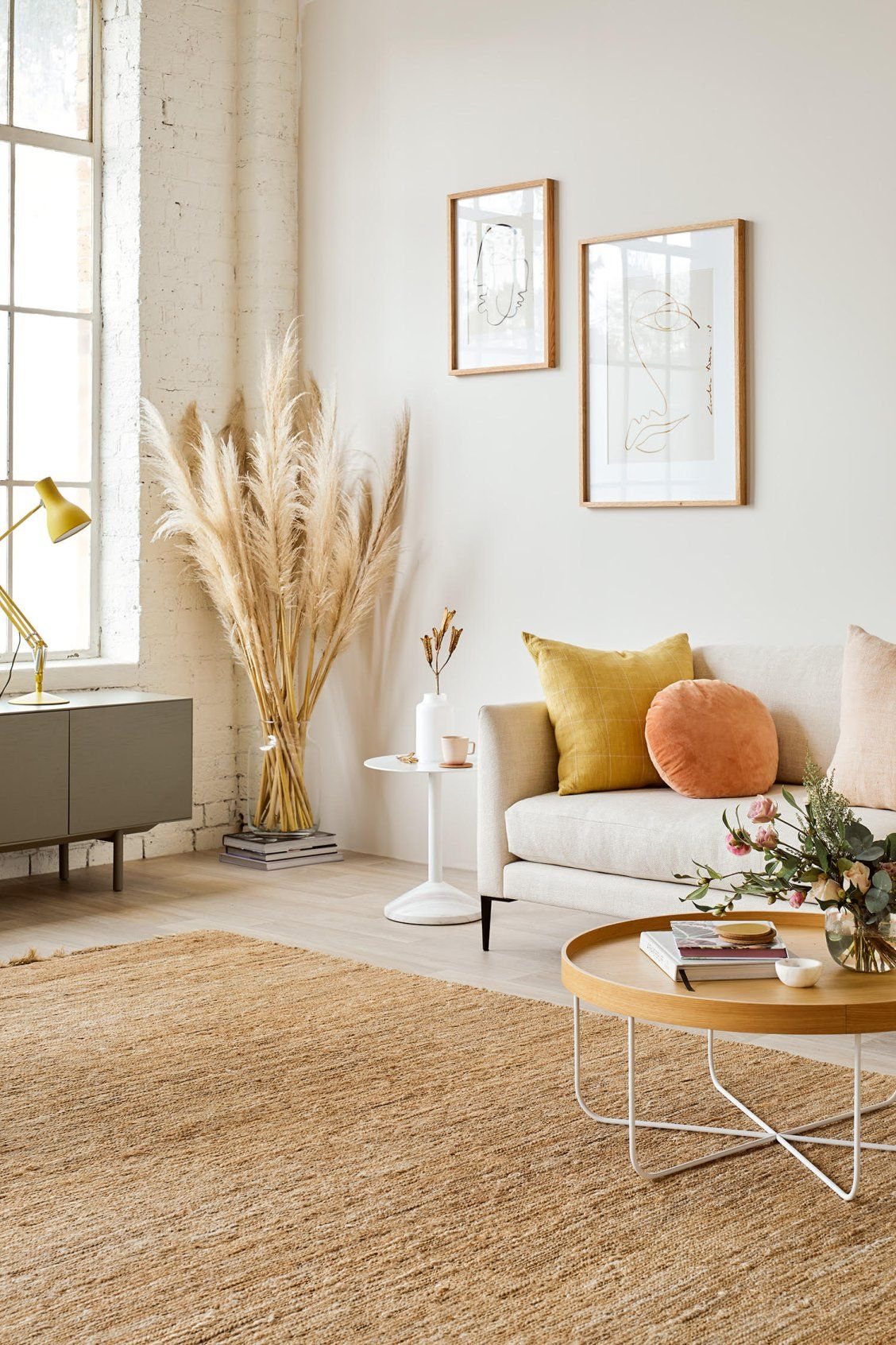 Neutral Scandi Style In This Pale And Minimalist Interior With Wild Grasses And Natural Rug Living Decor Living Room Designs Living Room Decor