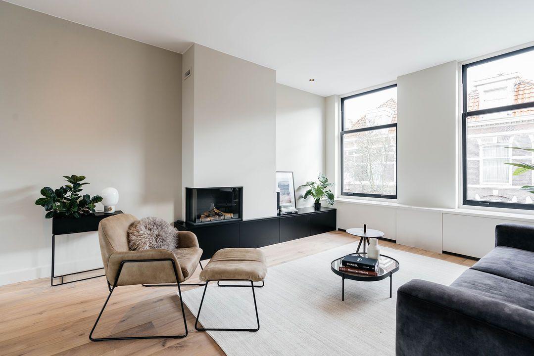Nieuw houtenvloer woonkamer, houten vloer, mooie vloer, binnen kijken QL-87