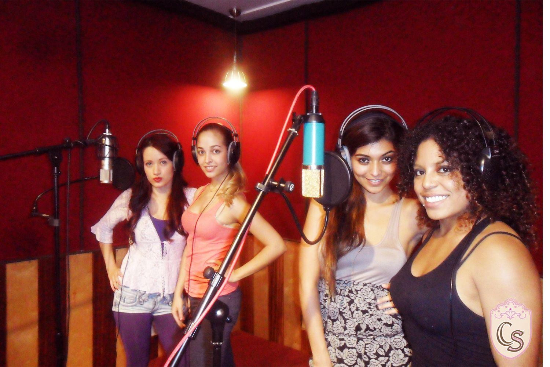 """Nuevo grupo pop Caramel Sweet.  Un concepto musical catalogado como Girl Fashion que se lanza al mercado con el nombre de """"Caramel Sweet""""."""