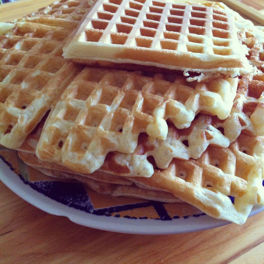 Waffles com cardamomo