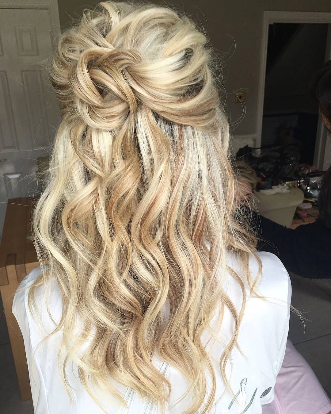 206 Likes 12 Comments The Space Hair Soul Beauty Thespacehairsoulbeauty On Instagram An U Bridesmaid Hair Half Up Wedding Hair Down Wedding Hair Half