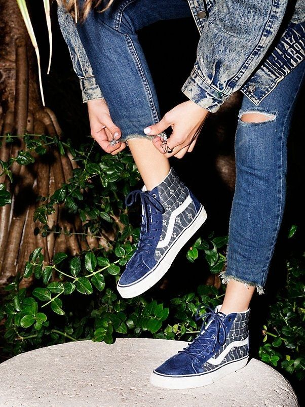 These indigo Sk8-Hi Vans that look amazing with cropped denim.