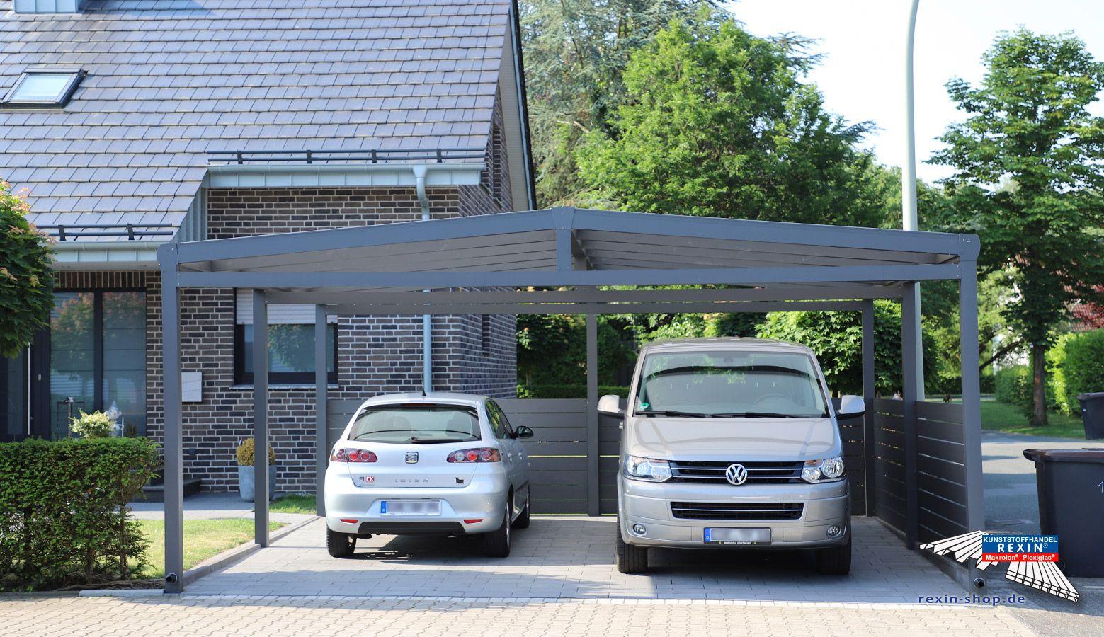 Ein Alu Carport Der Marke Rexoport 6m X 6m In Anthrazit Bei Diesem Freistehenden Aluminium Doppelcarport Mit Plane Fur Scheunenhaus Alu Carport Fachwerkhauser