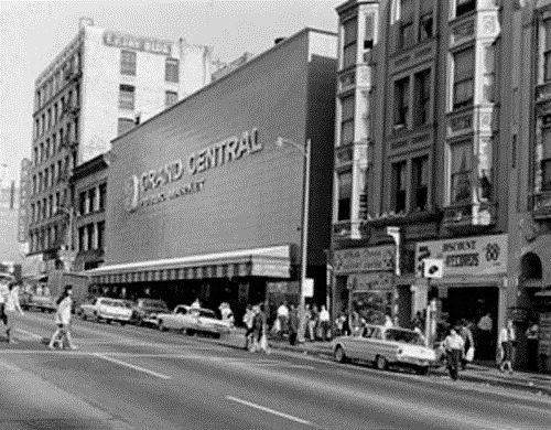 Grand Central Market Los Angeles California Daddy Used To Take Us Shopping At This Open Air Market Th Los Angeles History Los Angeles Downtown Los Angeles