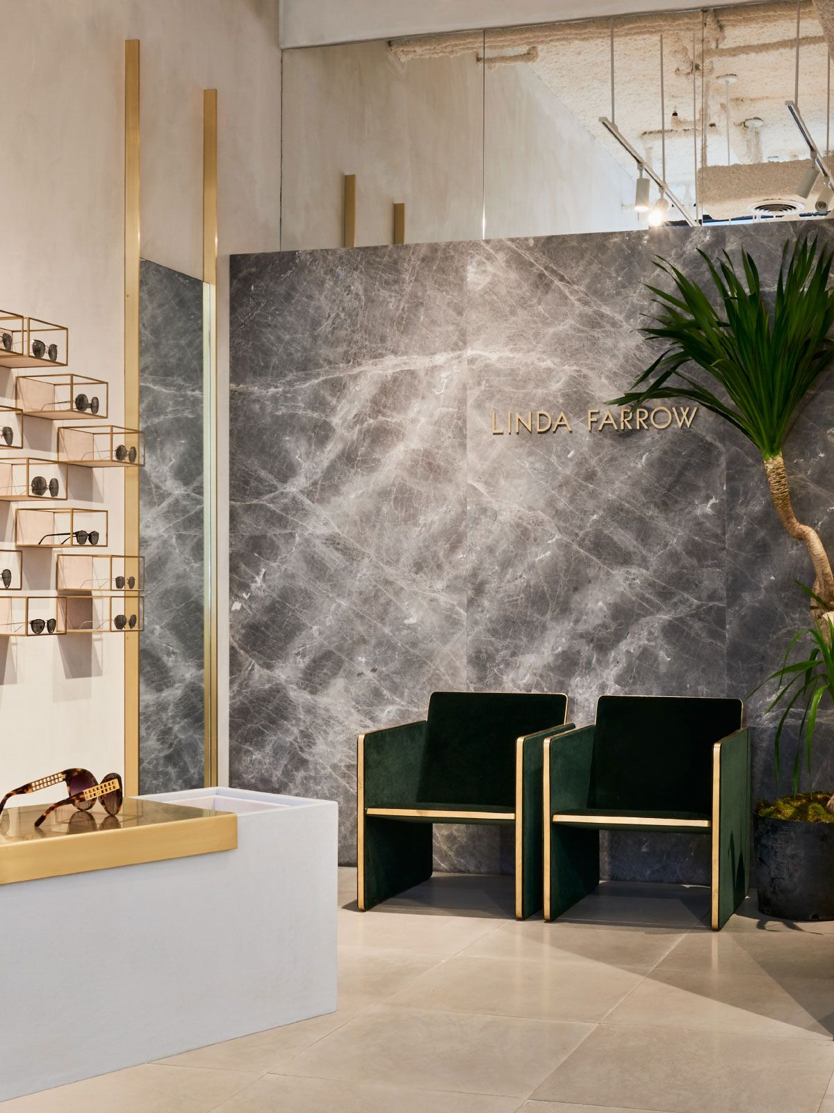Studio giancarlo valle designs linda farrow 39 s first us for Furniture stores in soho new york city