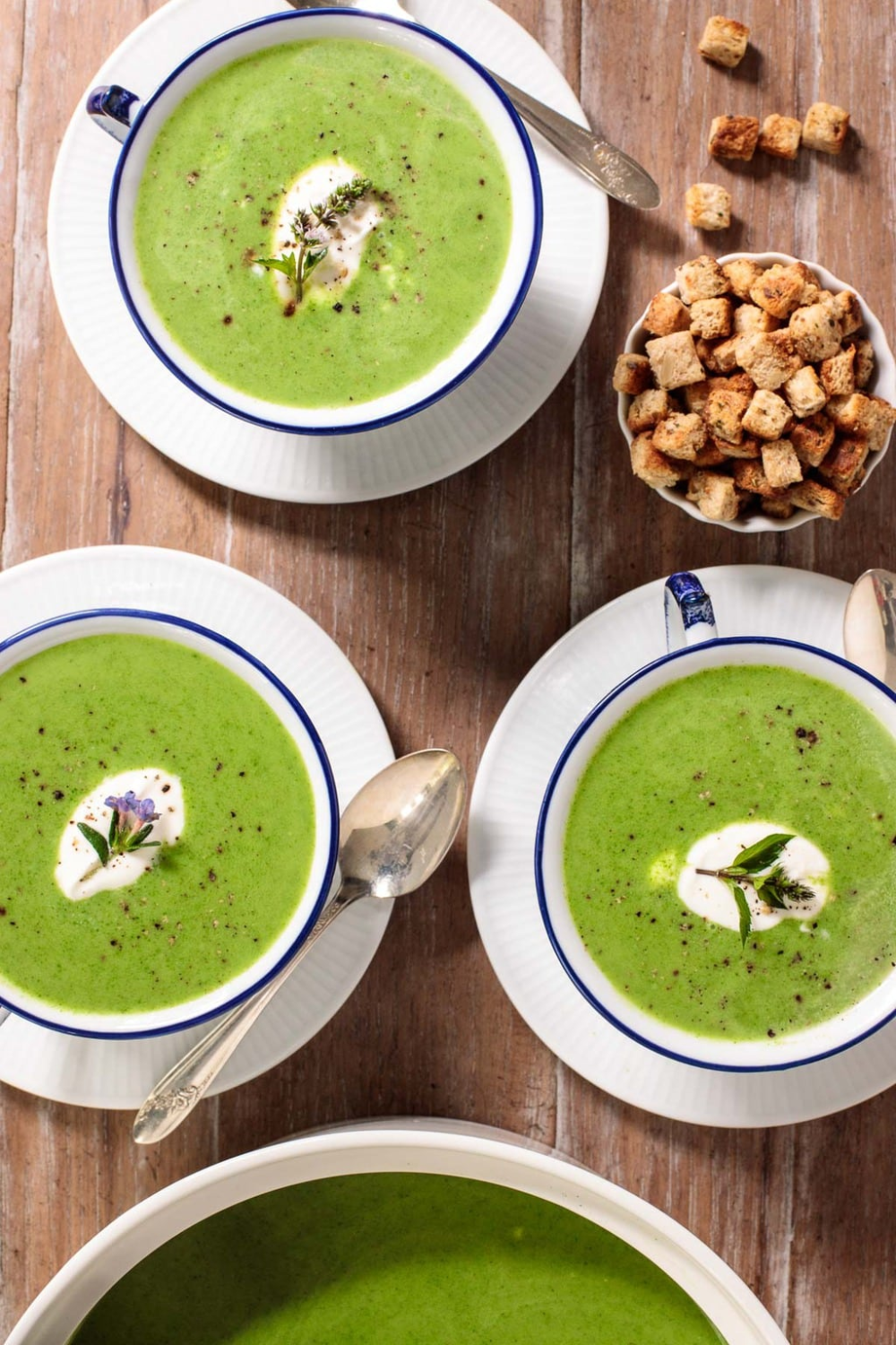 Healthy, delicious and vibrantly green, this creamy, Ballymaloe Fresh Spinach Soup (with no cream) comes together in less than an hour and always brings rave reviews! #spinachsoup, #easyspinachsoup, #freshspinachsoup #stpatricksday