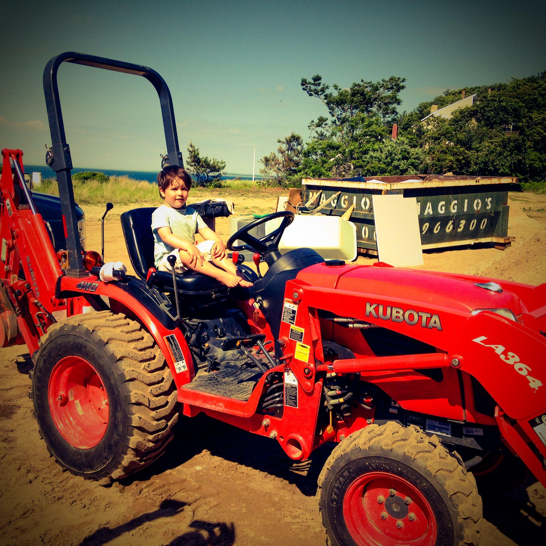 xavier moving some dirt | BEACH HOUSE - RENOVATION