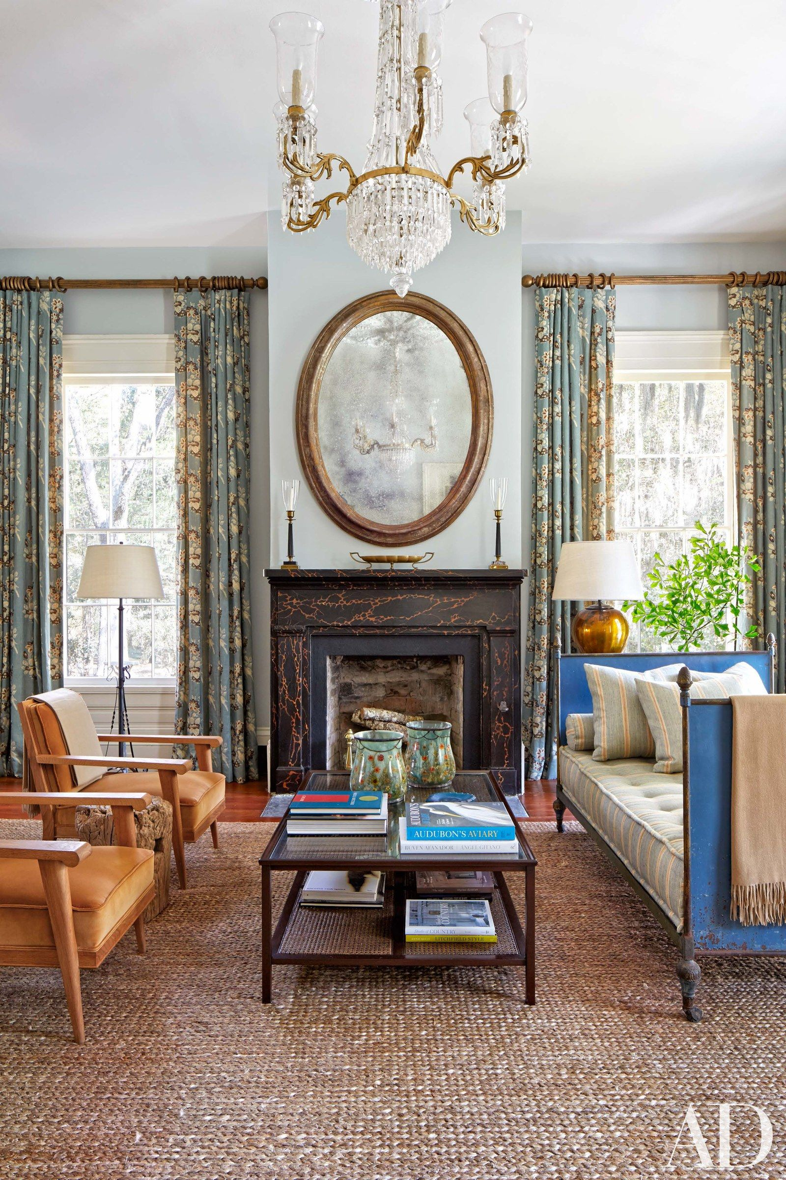 Help Decorate My Living Room: Tate Taylor, The Help Director, Renovates An 1830s